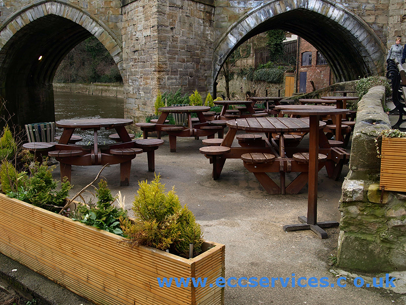 the boathouse beer garden
